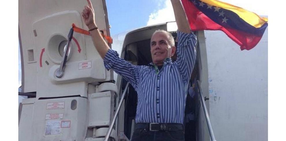 Opositor venezolano Manuel Rosales fue detenido al volver del exilio