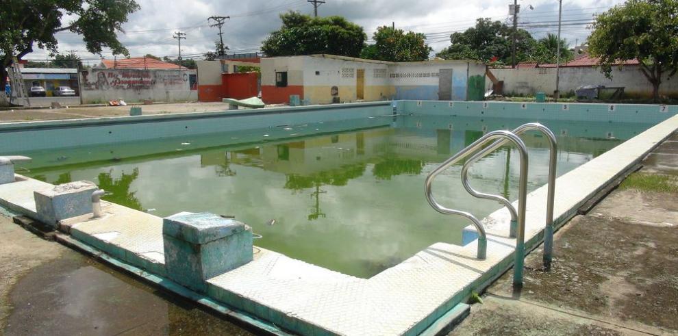 Municipio de Santiago destruirá piscina