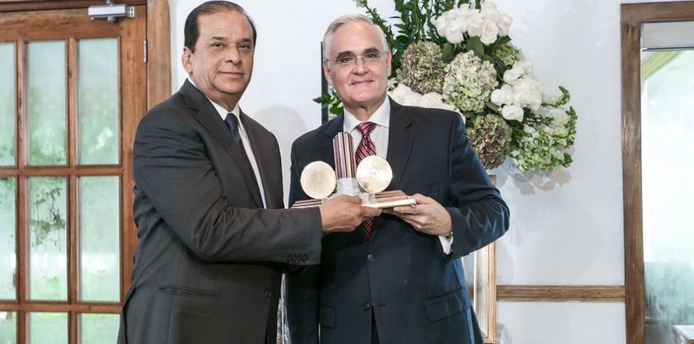 Rafael Bárcenas deja la ACP