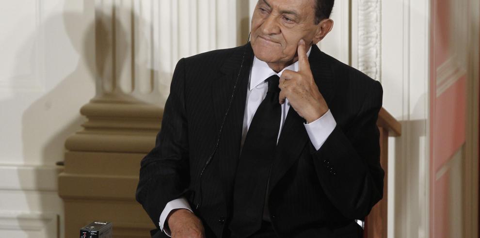 Nuevo juicio por corrupción contra expresidente de Egipto e hijos