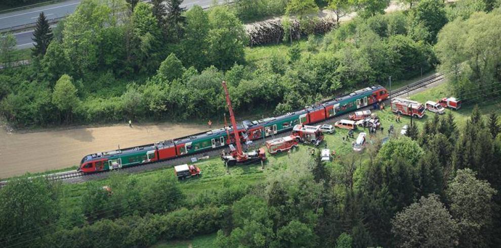 Un muerto y nueve heridos deja choque de dos trenes en Austria