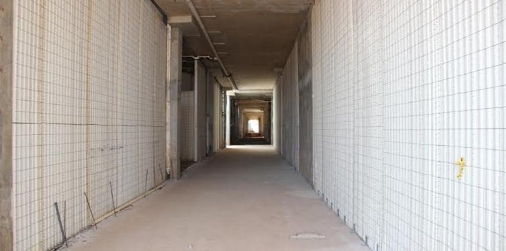 Contraloría inspecciona construcción del Hospital Anita Moreno