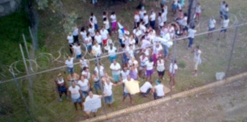 Enfrentamientos en elCentro de Rehabilitación Femenino