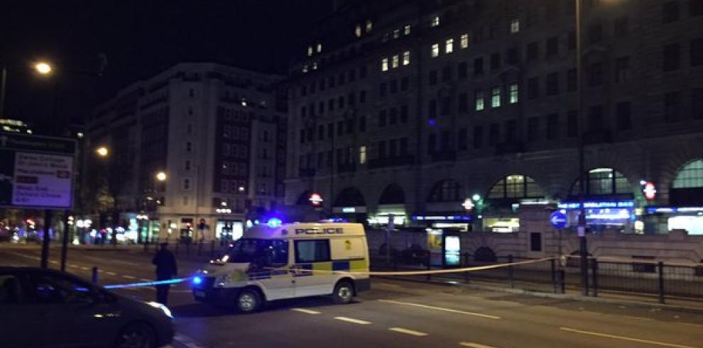 Reportan explosión cerca de la estación del metro de Londres
