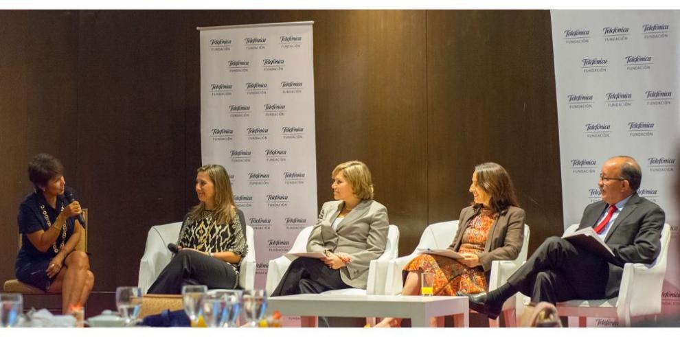 Promueven diálogo de educación digital