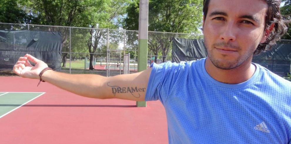 Jóvenes indocumentados de EE.UU. logran visitar sus países