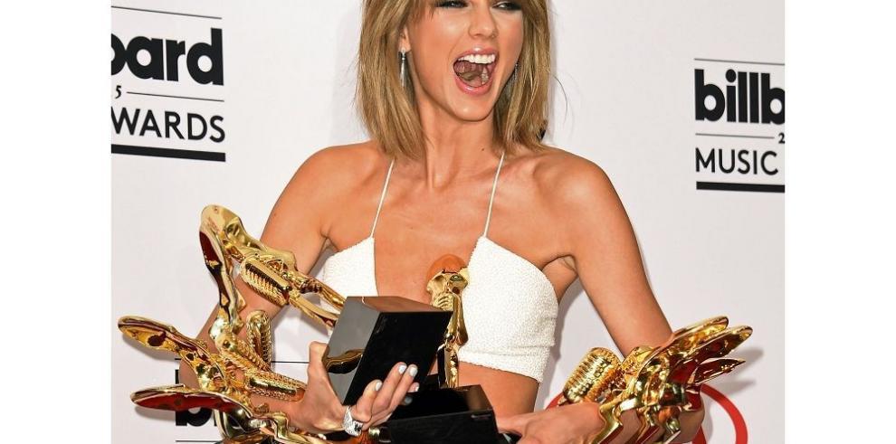 Taylor Swift arrasa con los Billboard