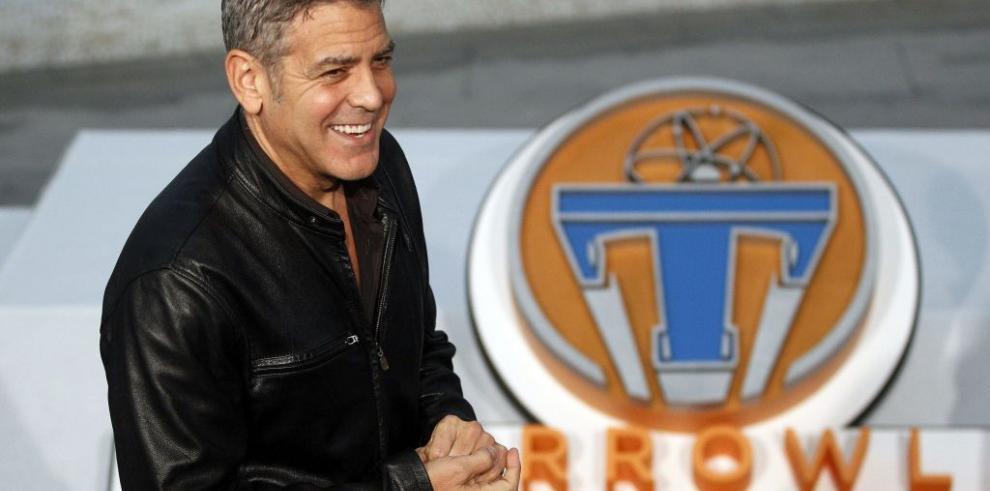 George Clooney viaja al futuro con