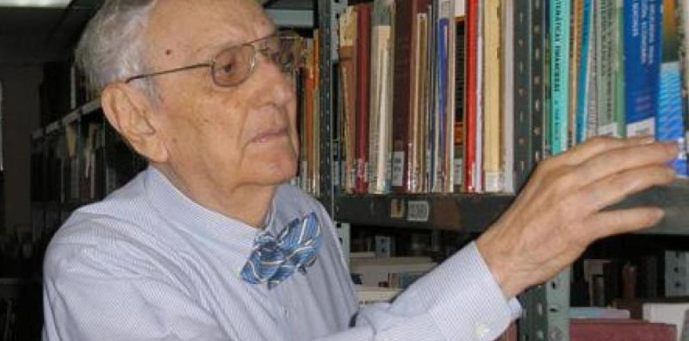 Panameños se despiden de Rubén Darío