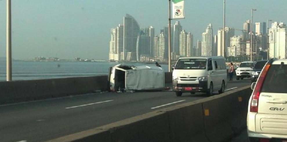 Accidente de tránsito en el Corredor Sur dejó varias personas heridas