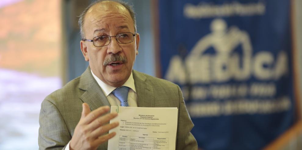 Ministra de Educación no participará de las fiestas patrias