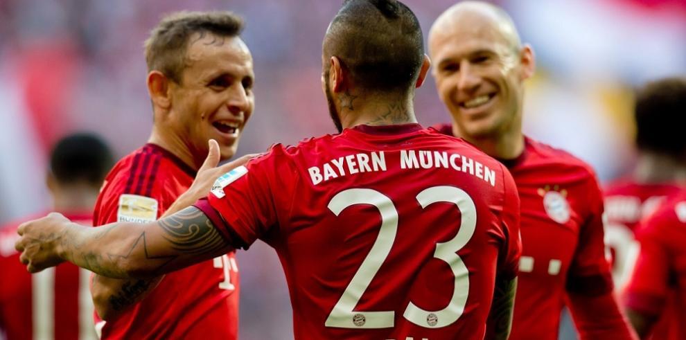 Vidal marca en la goleada del Bayern ante el Colonia
