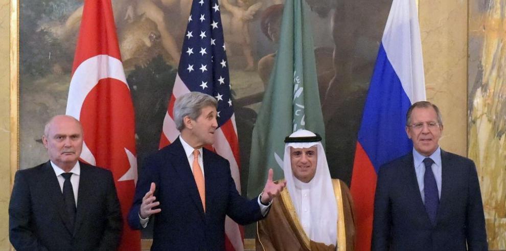 EE.UU., Rusia, Turquía y saudíes buscan una solución al conflicto