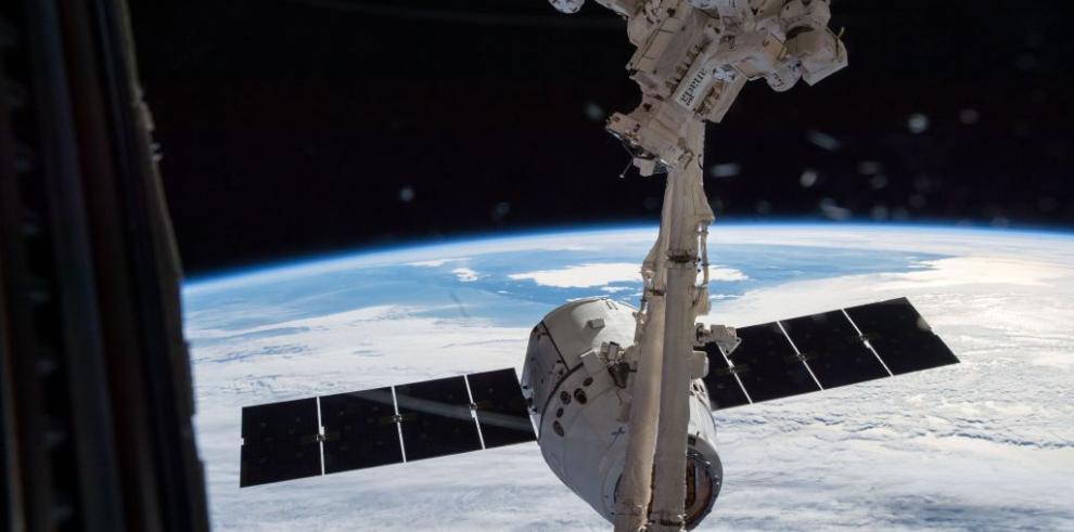 Astronautas se refugian tras alarma en Estación Espacial Internacional