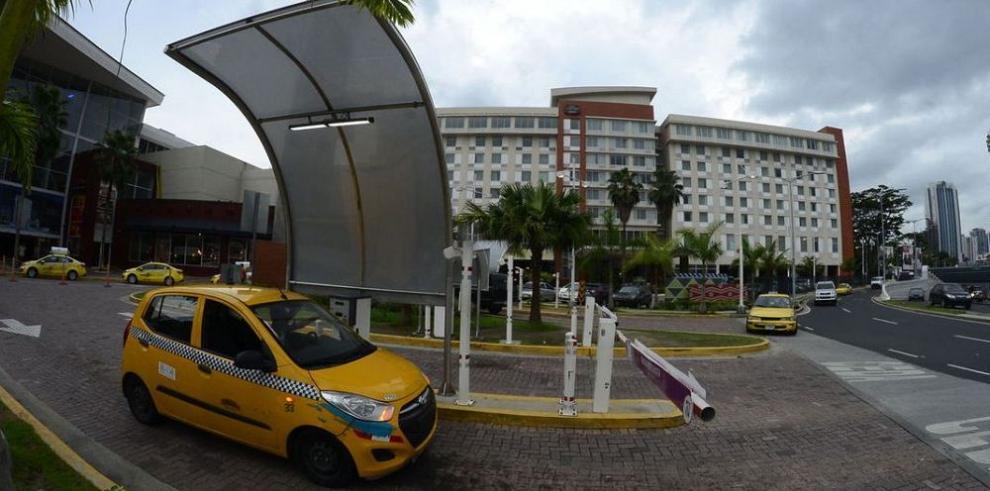 Asamblea reconsidera ley de cobro por estacionamientos