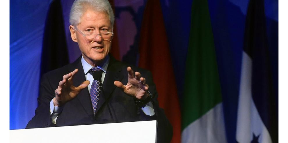 Expresidente Clinton visitará Panamá la próxima semana