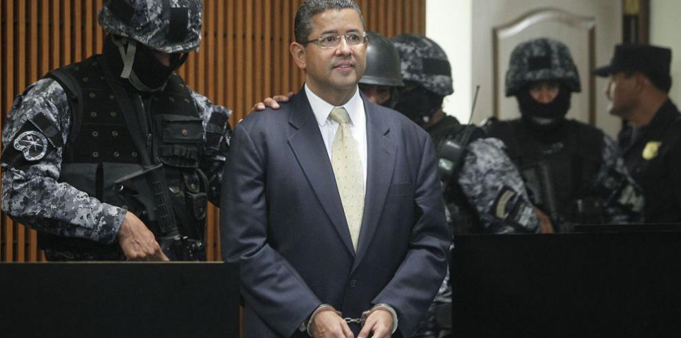 Expresidente va a audiencia por caso de corrupción