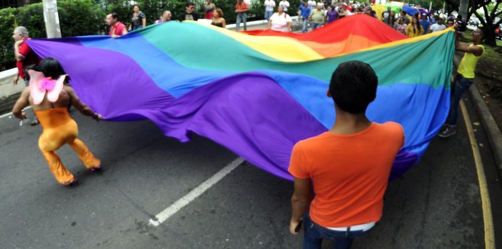 Argentina ofrece cobertura gratuita a operaciones de cambio de sexo