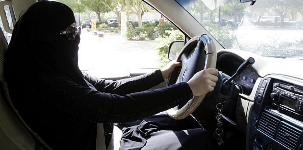 Judíos ultraortodoxos en Londres prohíben conducir a las mujeres