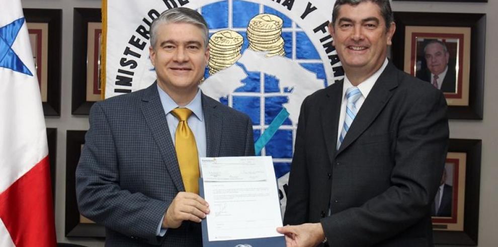 Panama Ports Company paga dividendos por primera vez al Estado
