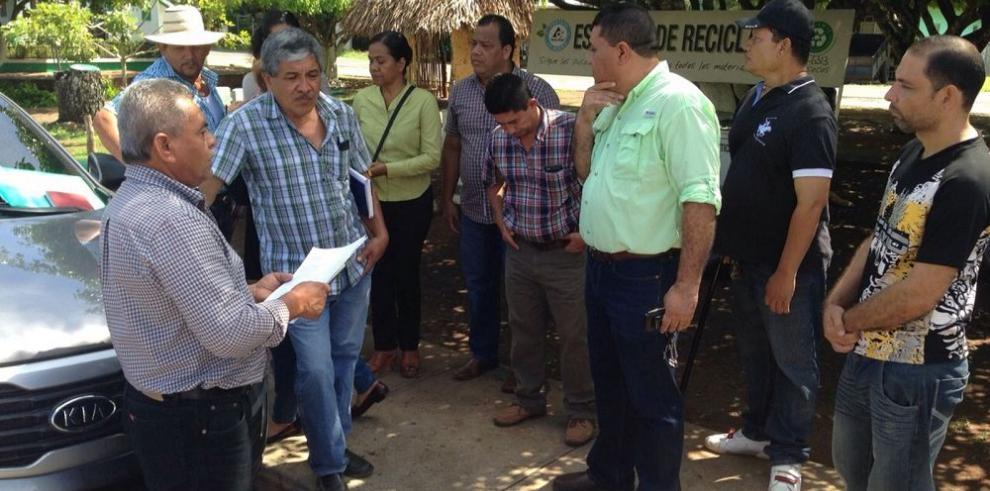 Atalaya reclama agua potable a los representantes
