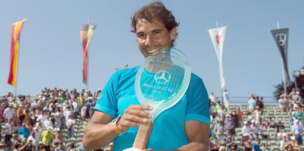 Nadalse reinventa en la hierba de Stuttgart y gana el título