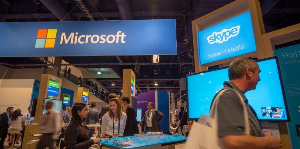Microsoft ofrece una pantalla gigante para conferencias
