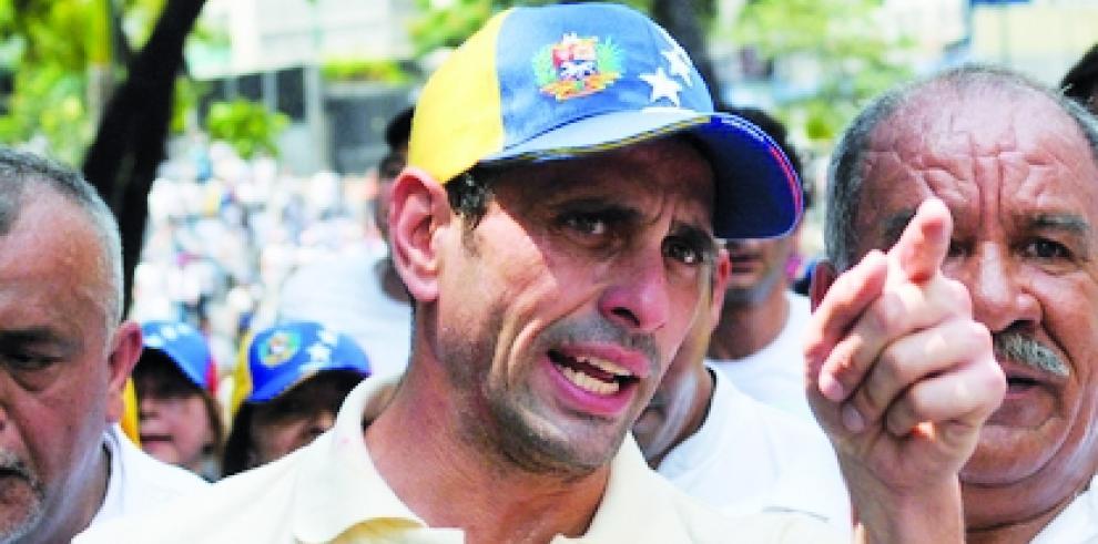 Opositor venezolano Capriles denuncia ataque armado en su contra