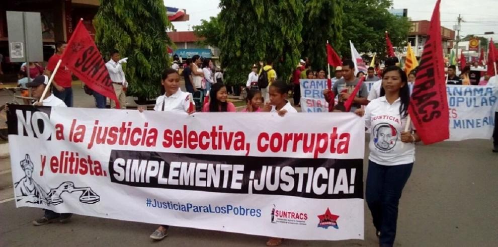 Santiagueños celebran la firma del acta de separación de Colombia
