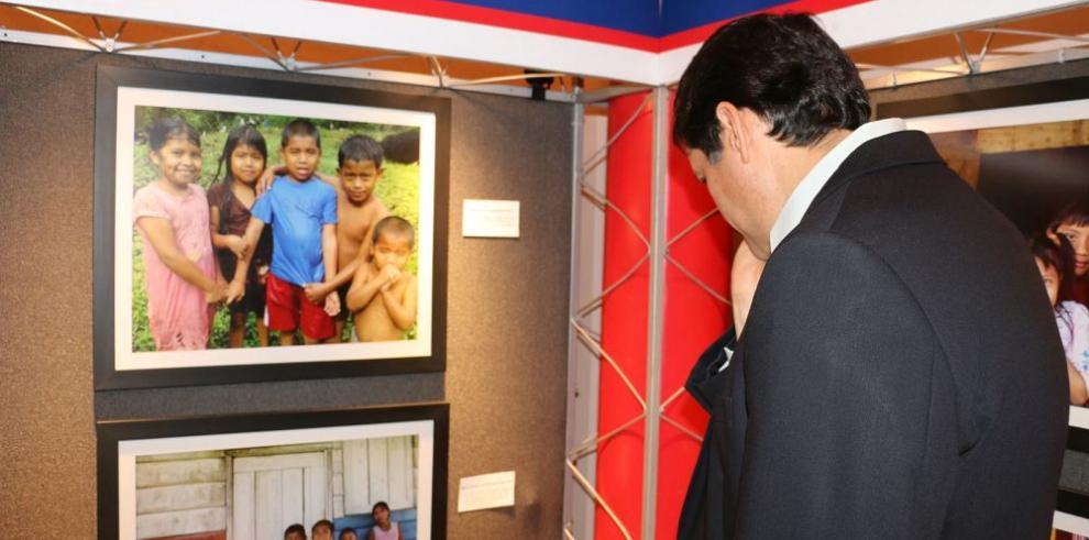 Banconal inaugura exposición fotográfica