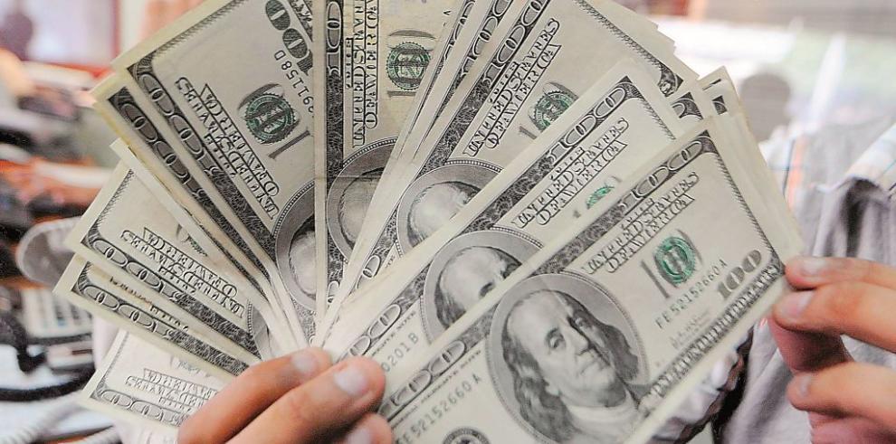 Economía de EEUU crecerá alrededor de 2,7% en 2015