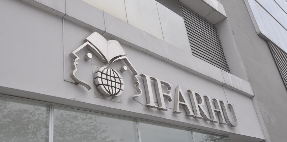 Subdirector del IFARHU supuestamente niega beca a panameño