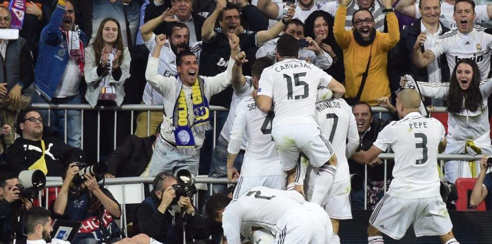 El Real Madrid, a semifinales de la Champions con gol de Chicharito