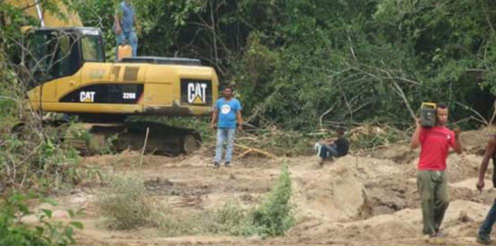 Alcalde propició la extracción de arena