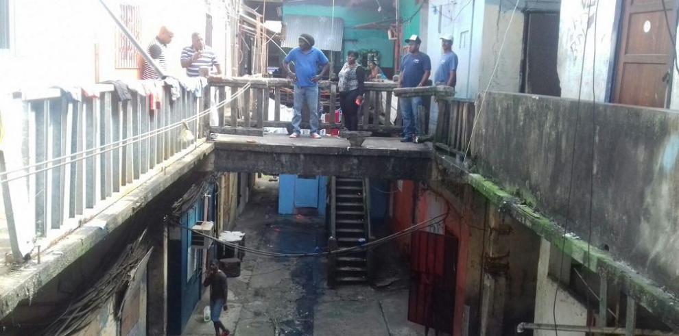 Miviot socorre a quince familias en Colón