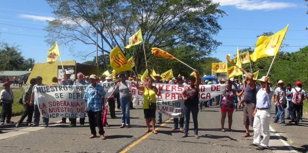 Campesinos se rebelan contra hidroeléctricas