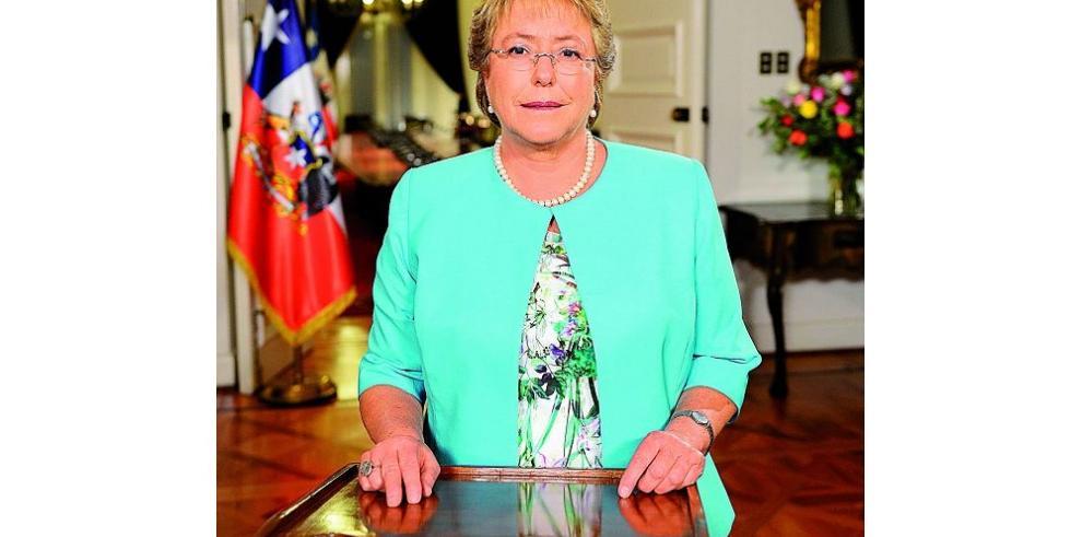 Bachelet anuncia la promulgación de una nueva constitución