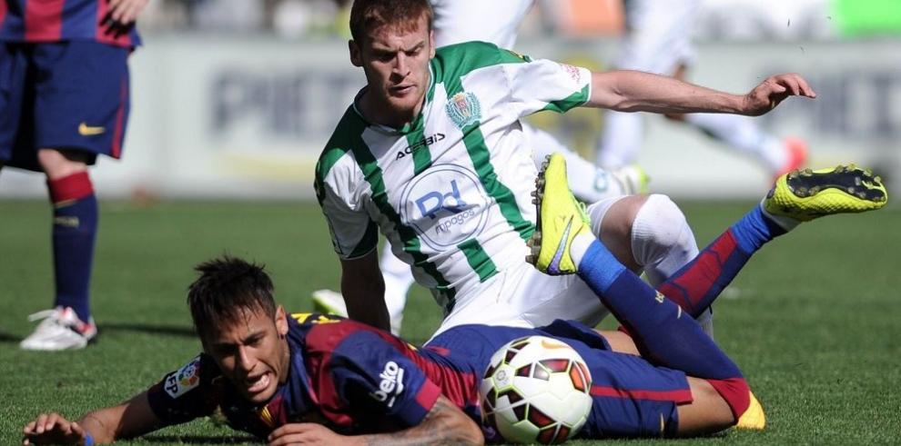 Barcelona humilla al Córdoba y Ronaldo rescata al Real Madrid