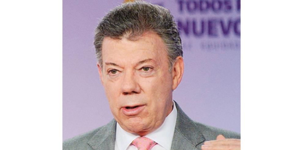 Popularidad de presidente Santos desciende tras ataque a la FARC