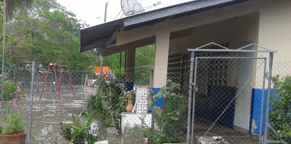 Por fuertes oleajes suspenden clases en Farrallón y Santa Clara