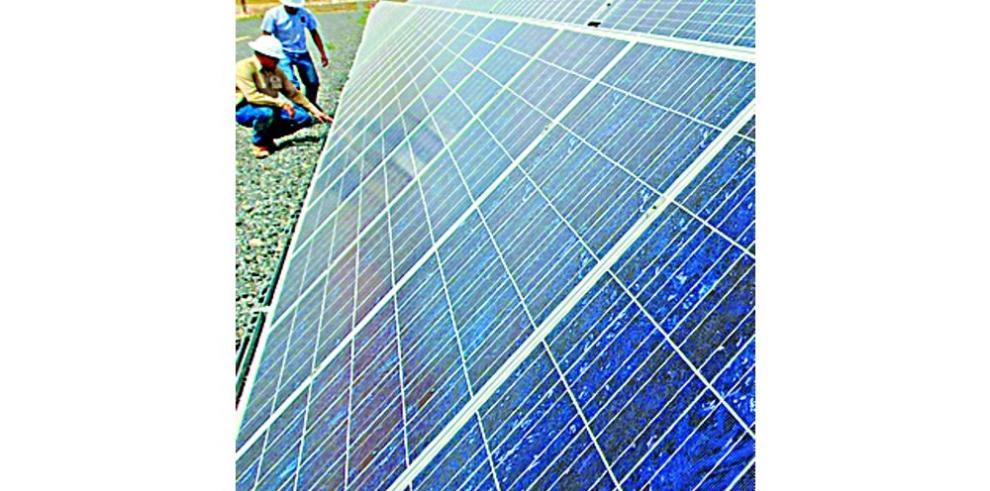 Inauguran planta fotovoltaica en El Salvador