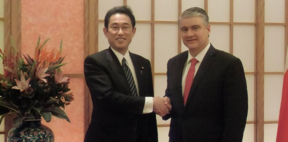 Representantes del Canal y del Gobierno, en misión oficial en Japón