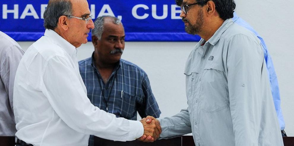Hoy entra en vigor la tregua de las FARC