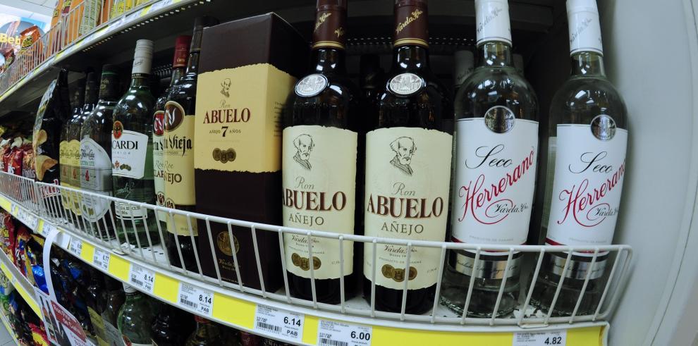 Varela sanciona Ley que equipara impuesto de bebidas alcohólicas