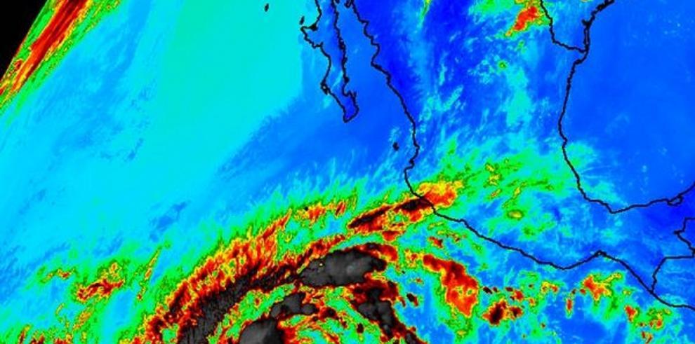 Se forma en el Pacífico la primera tormenta de temporada de huracanes