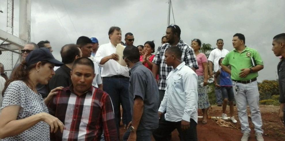 Varela se reúne con moradores de Nueva Providencia en Colón