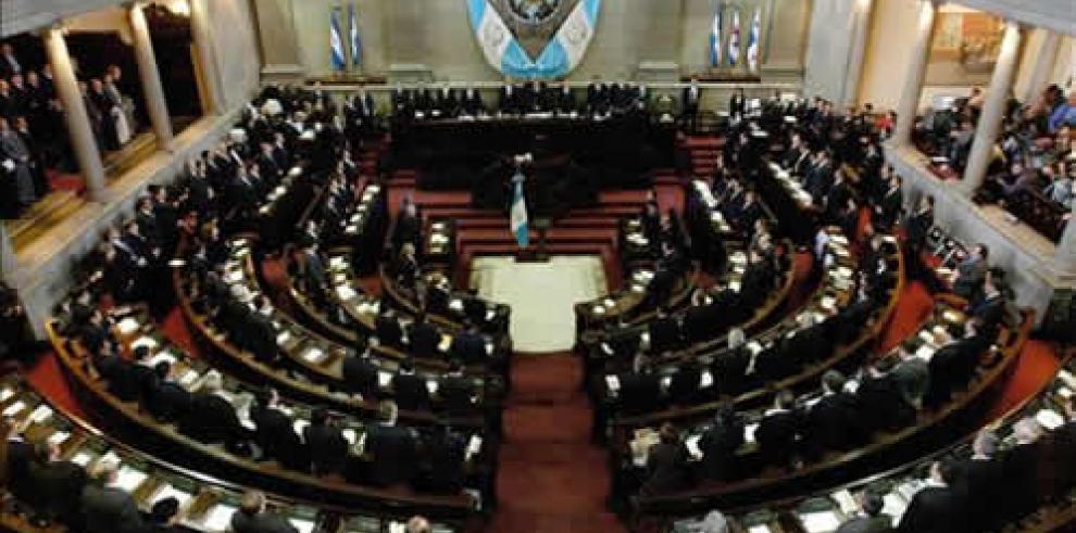 Plantean limitar reelección de diputados y alcaldes en Guatemala