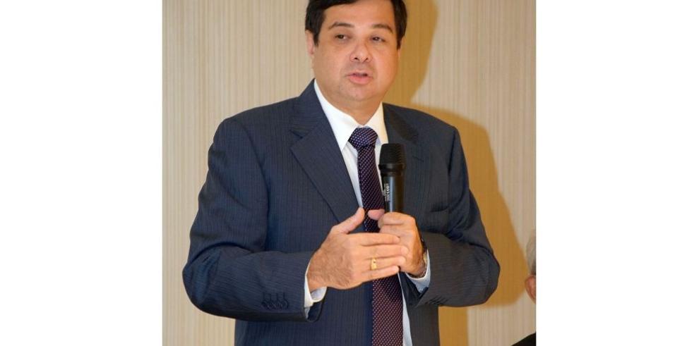 Fiscales buscan pistas de las anomalías de Benavides