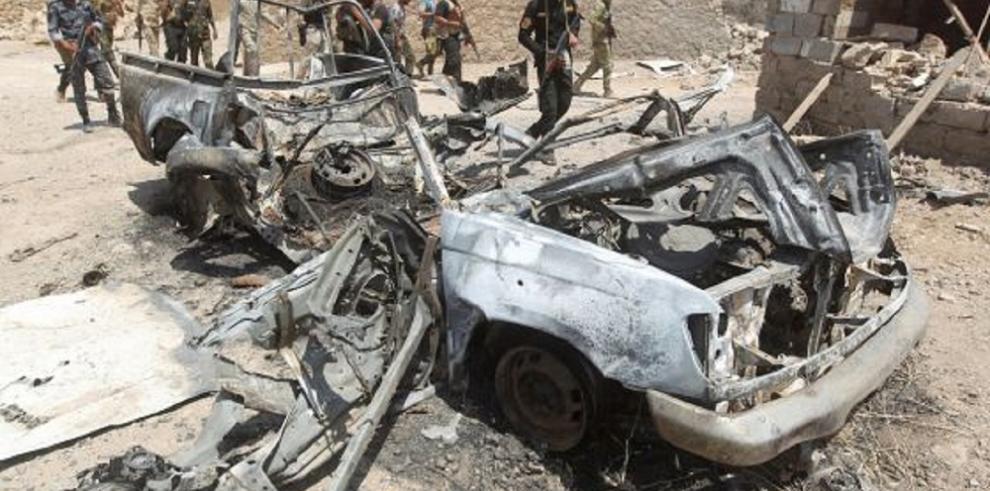 Exhuman 470 cadáveres de fosas comunes en la ciudad iraquí