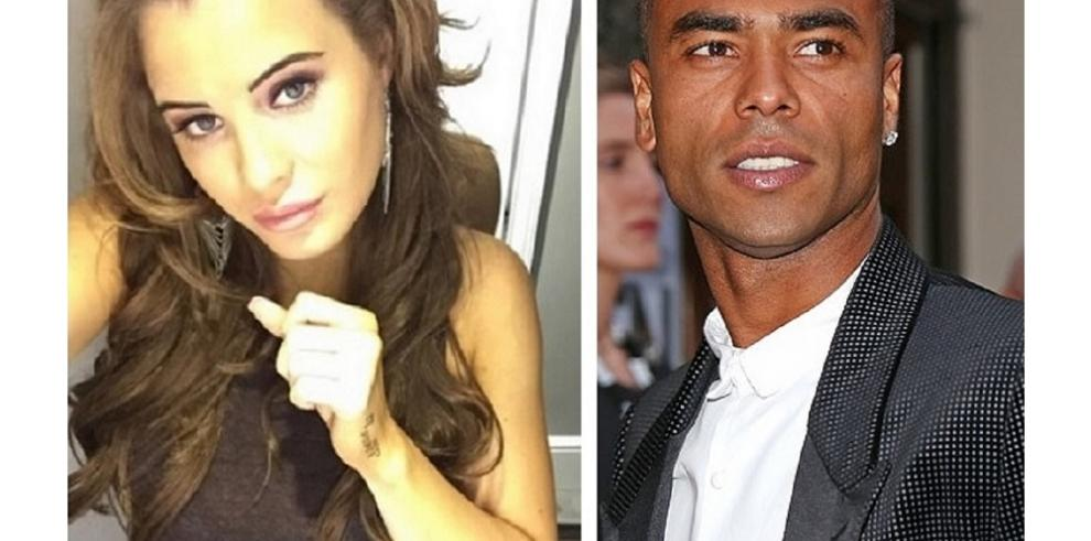 Conejita Playboy noquea al futbolista Ashley Cole